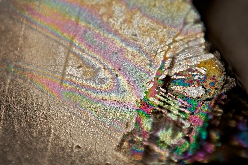Irisering af overfladen efter stabilisering.