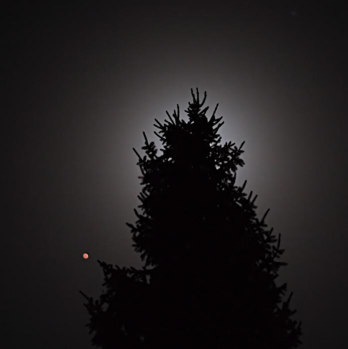Mars and Moon, defocused Mars
